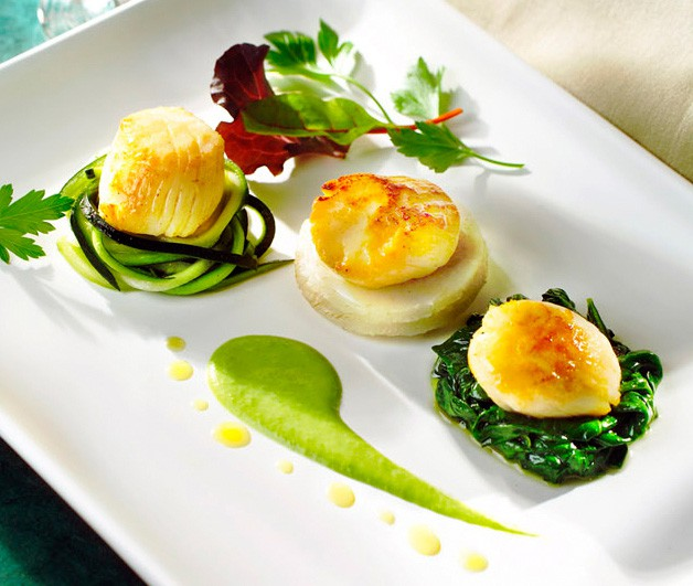 ea Scallops Three Different Ways with Artichoke, Spinach and Zucchini