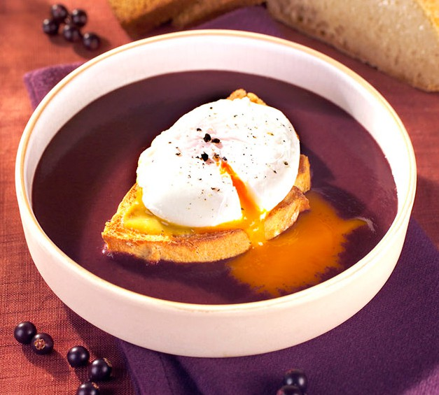 Poached Eggs in Red Wine Sauce