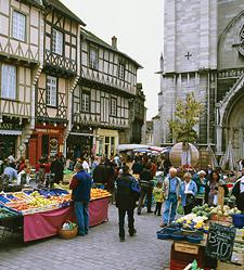 Typical market day in Burgundy